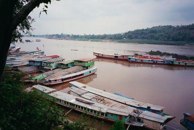 中国摩托改变老挝 - liblog - Liblog 第九传媒